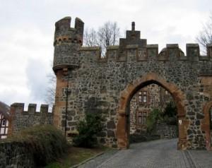 Zufahrt Burg Staufenberg